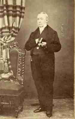 Ολόσωμο πορτραίτο του John Hill