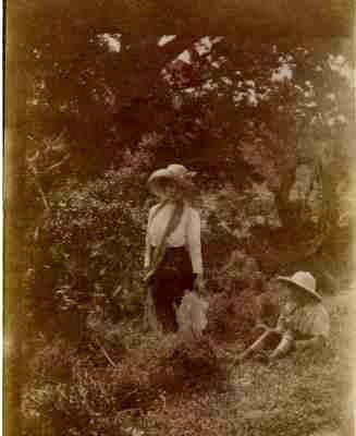 Η Agnes Masson σε εκδρομή του σχολείου