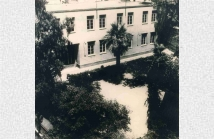 Το σημερινό κτίριο της Σχολής. Κτισμένο ακριβώς στην ίδια θέση που ήταν το ...